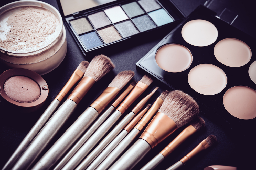 shutterstock_445895788 How You Can Stay Healthy as a Beauty Professional