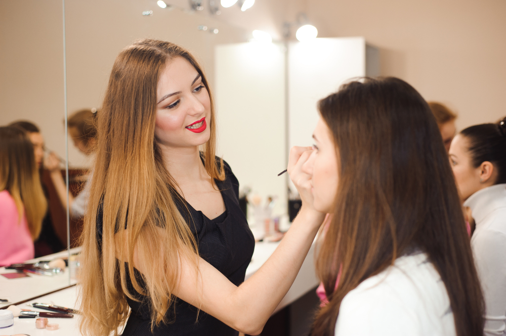 shutterstock_797644315-1 How to Become a Cosmetologist in Ohio